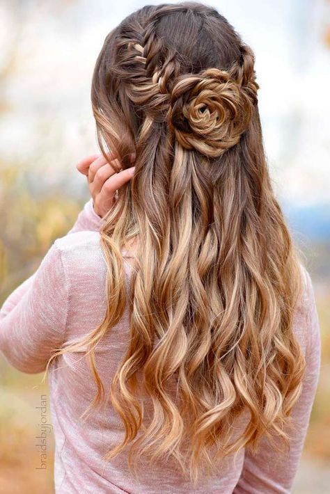 25 Best Ideas About Prom Hairstyles On Pinterest Hair Styles