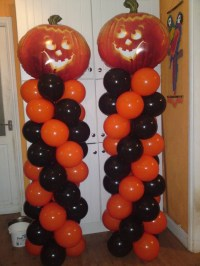 Classic example of a Halloween Balloon Column, in typical ...