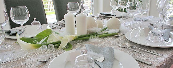 einzelne Calla auf Tisch  Tischdeko  Pinterest  Wedding and Hochzeit