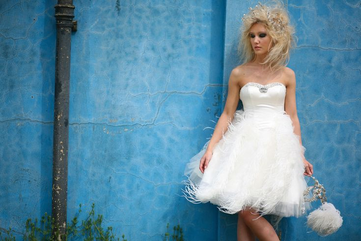 25+ Best Ideas About Feather Wedding Gowns On Pinterest