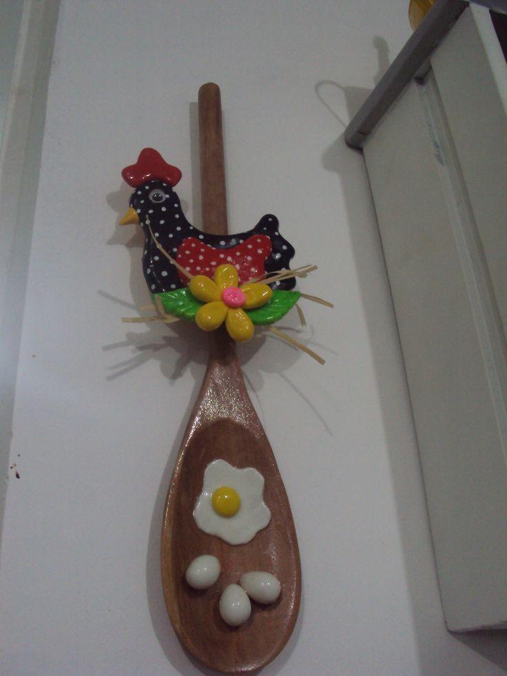 Colher de pau decorada com biscuit  Eu que fiz