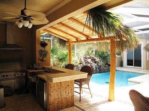 Tiki Bar With Palm Fronds Overhang Tiki Bar Fun Pinterest Decks Bar And Screens