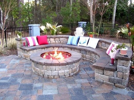 Huge fire pit seating area. I love this – but I definitely prefer the circular seating for whatever reason. And ours would