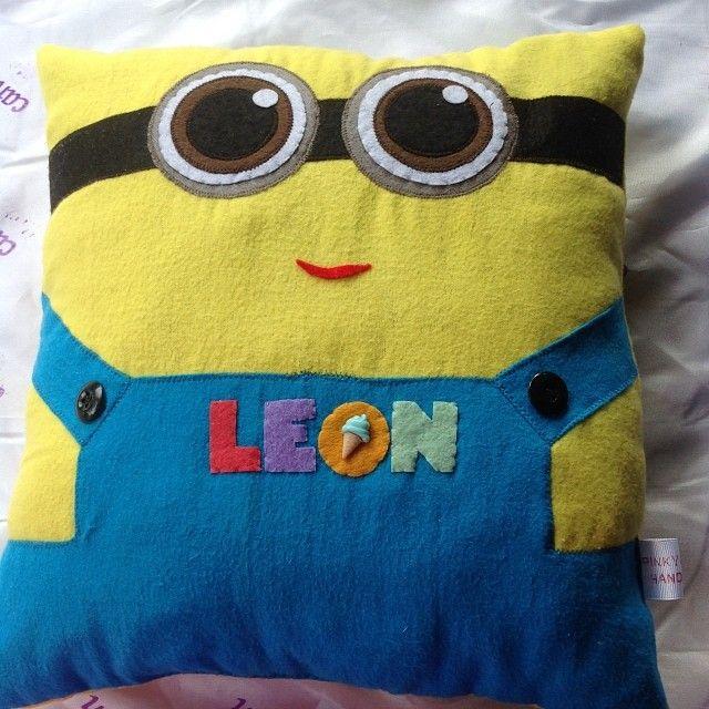 25 best Minion Pillow ideas on Pinterest  Crochet