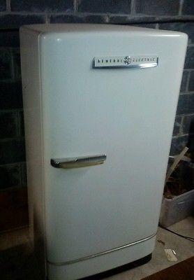 Vintage Mid Century General Electric GE Refrigerator