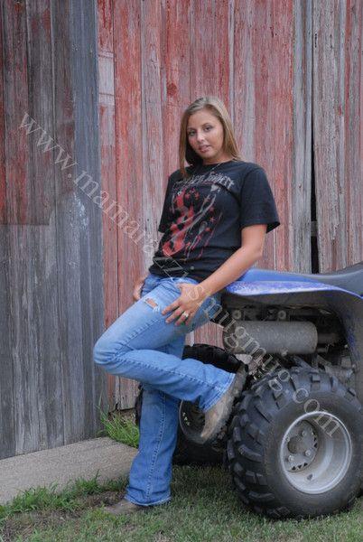 country girl senior picture prop 4 wheeler