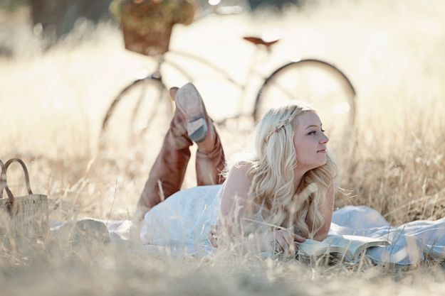 senior picture ideas for girls | Dreamy Whites: My First Senior Portrait Session