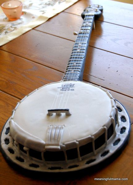 It's A Banjo Cake! If Luke Doesn't Get A Banjo Cake For