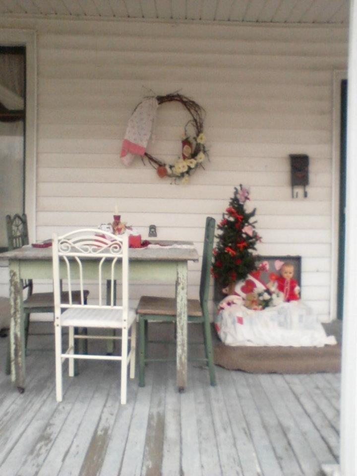 267 best images about Valentines Day Door  Porch Ideas on Pinterest  Deco mesh Valentines
