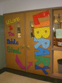 25+ best ideas about School Library Displays on Pinterest