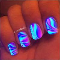 Watermarble Black Light Nails #nails #nailart #watermarble