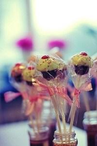 1000+ ideas about Cake Pop Holder on Pinterest | Cake pop ...