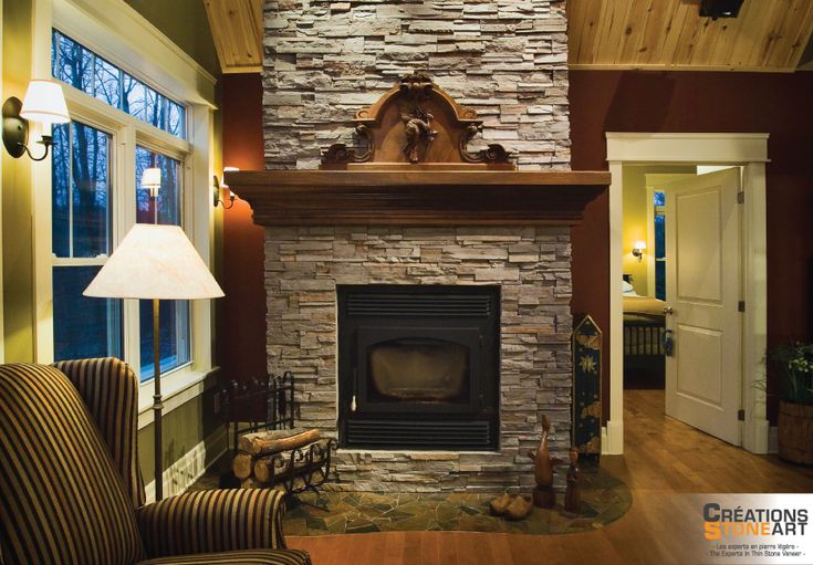 Fireplace covered with Cultured Stone Grey Profit Ledgestone and Natural Random pieces of Slate