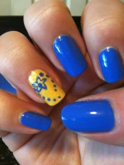 blue and yellow nails beatiful