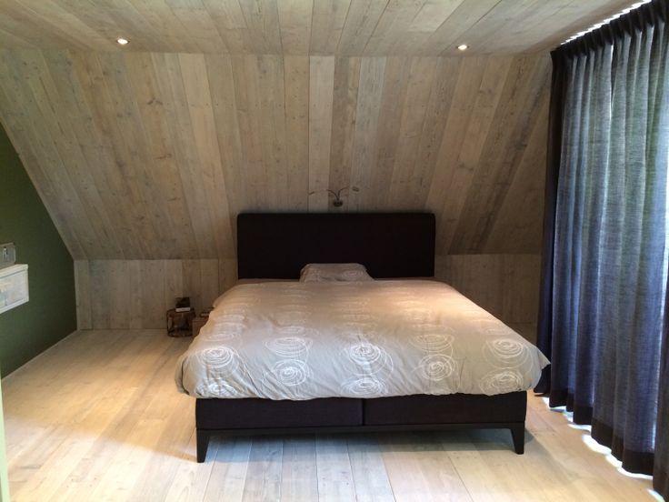 25 beste ideen over Schuin plafond slaapkamer op Pinterest