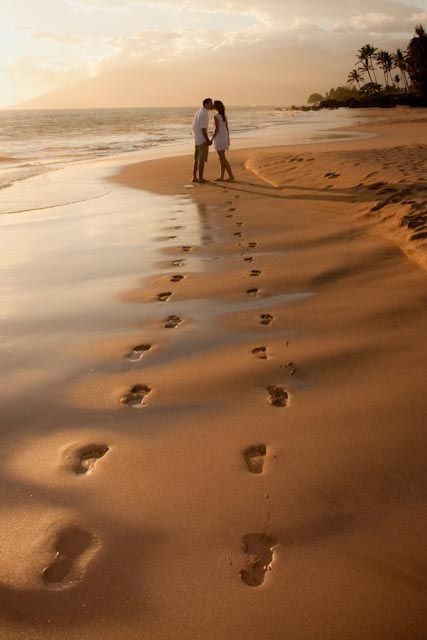 footprints in the sand, cou