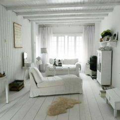 Beach Living Room Idea Round Swivel Chairs For Woonkamer Bij Jolanda. #binnenkijken #brocante #white # ...