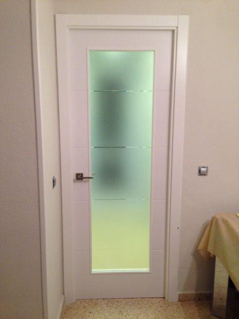 Modelo Vinci Wa1 Con Cristal Estriado Puertas Lacadas En