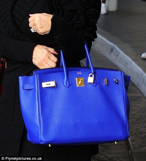 Now Kris Jenner carries the new Kardashian musthave item