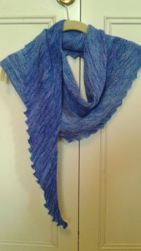 Hitchhiker scarf. Free pattern on Ravelry http://www ...