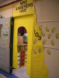 classroom bee theme - reminds me of my daughters ...