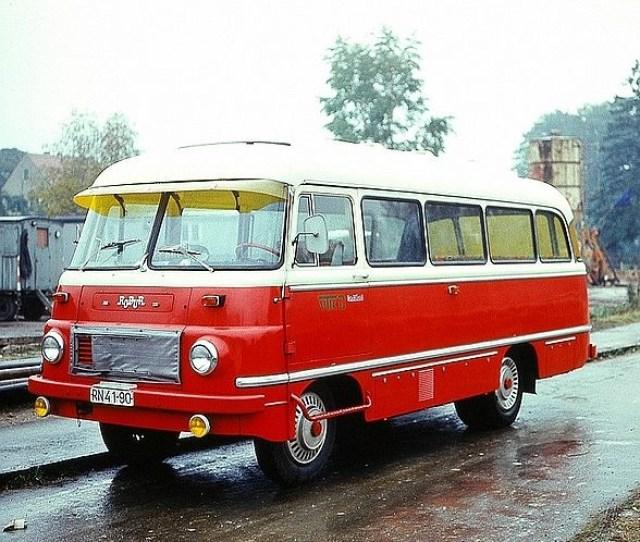 Robur Adalah Merek Bus Yang Berasal Dari Pabrik Truk Dan Angkutan Berat Volkseigener Betrieb Veb Robur