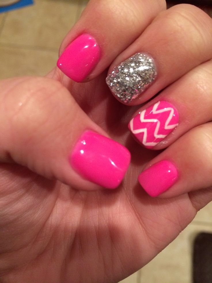 White chevron and hot pink nails with a glitter accent! #