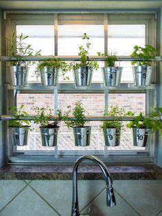 25 Best Ideas About Hanging Herb Gardens On Pinterest Indoor