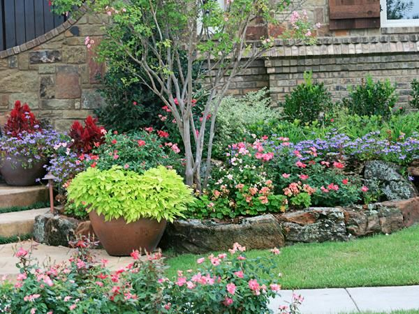 landscape flower beds   Spring Texas Tree Maintenance