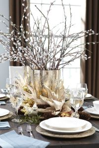 1000+ ideas about Christmas Table Centerpieces on