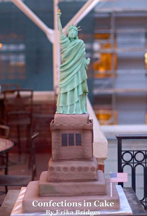 Statue of Liberty Cake Its all real cake completely edible  Adult Party Cakes  Pinterest