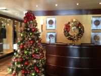 Office reception area | Christmas Decorations | Pinterest ...