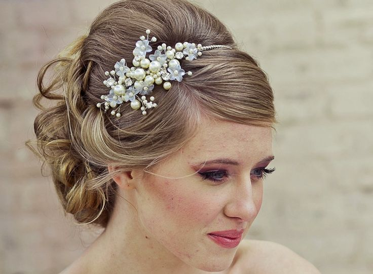 25 Best Ideas About Wedding Headband Hairstyles On Pinterest