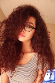 1000 curly with glasses
