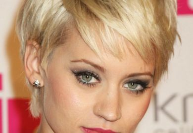 Search Haircuts For Round Faces Images
