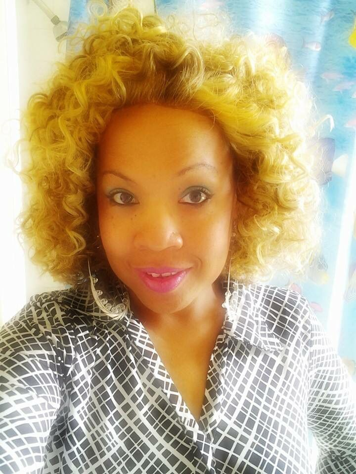 Brenda Richardson Short Blonde Amp Curly Hair Brenda