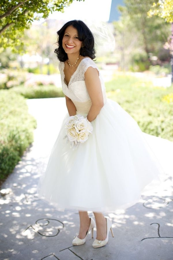 17 Best ideas about Short Vintage Wedding Dresses on Pinterest  Short wedding dresses Tea