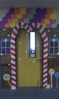 Gingerbread house classroom door decor.