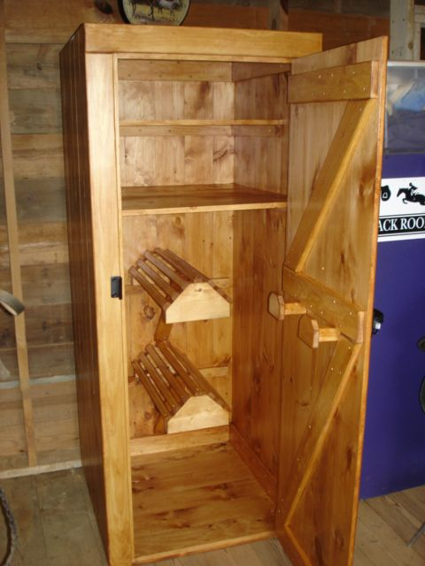 How To Build A Tack Trunk
