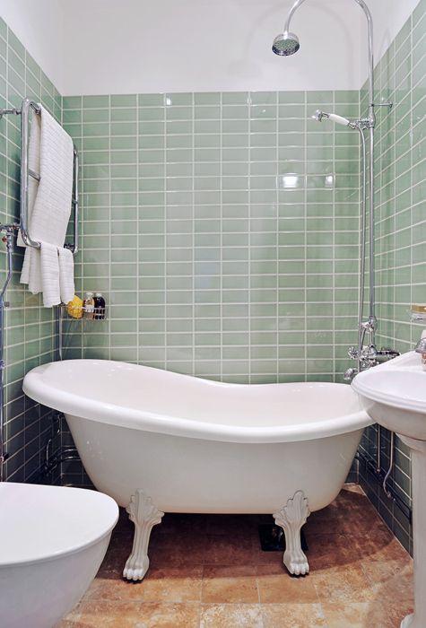 Clawfoot tub in a small bathroom  bathroom remodel