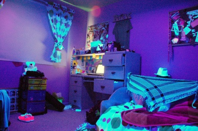 1000+ Images About Bedroom Ideas Glow Blacklights Neon