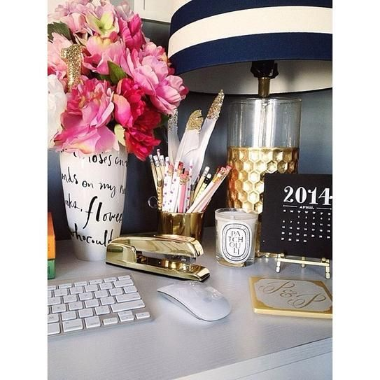 Instagram/@pearlsandpastries 30 Chic Workspaces From Pinterest and Instagram | StyleCaster