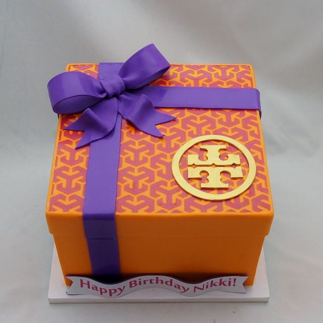 25 Best Ideas About Gift Box Cakes On Pinterest Fondant