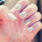 glitter accent nail nails
