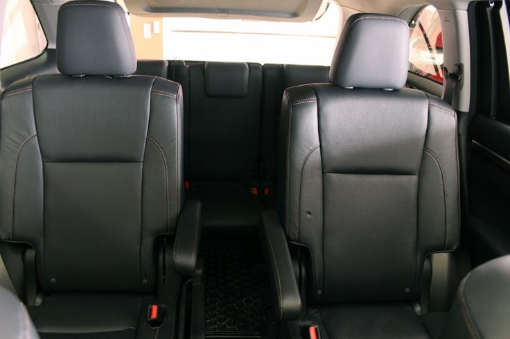 2014 Toyota Highlander Limited AWD secondrow Captain chairs  20142015 Highlander  Pinterest