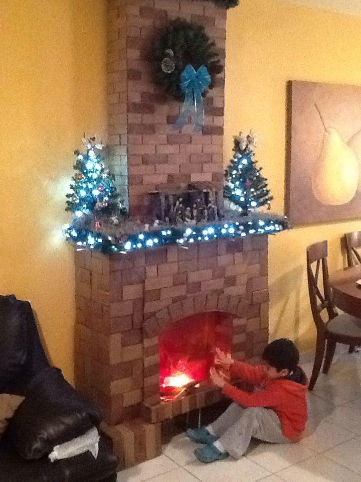 Chimenea toda hecha de cartn  Chimenea navidea  Pinterest  Decorative fireplace
