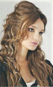 voluminous long layered hairstyle