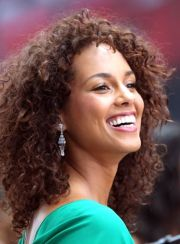 ode alicia keys' curly hair