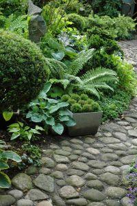 Hosta and fern.    Vegetal   Pinterest   Gardens, Stones ...
