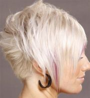 light blonde short hair pink highlights